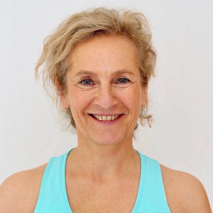 Weiterbildung Faszien-Yoga mit Nicola Fromm (20 Unterrichtseinheiten): Bild