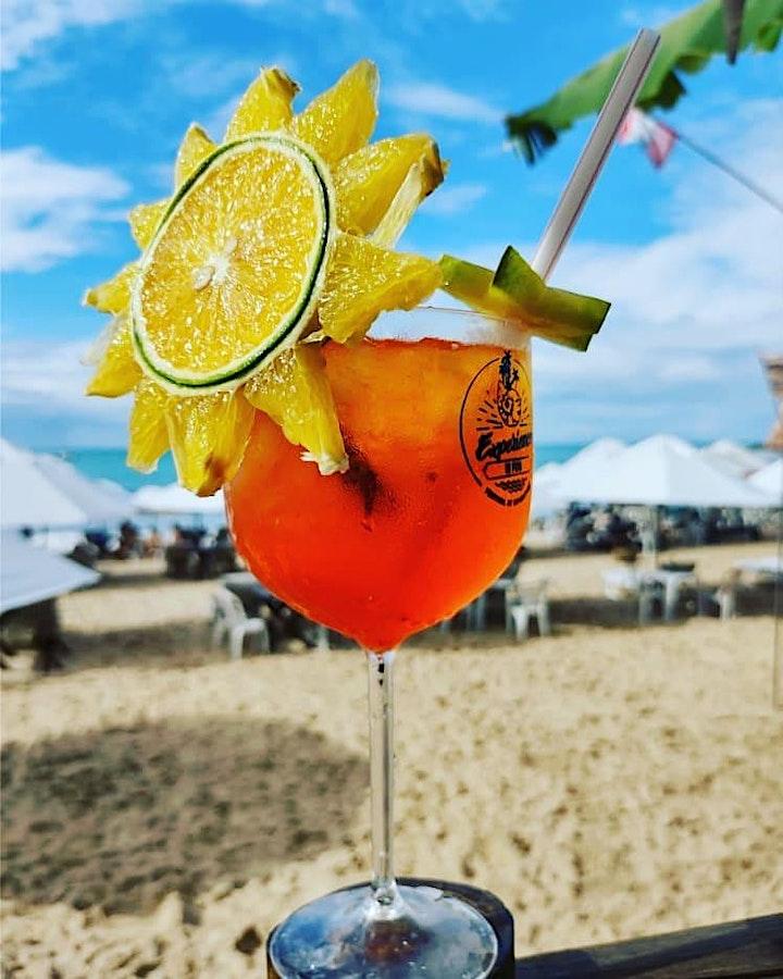 Imagem do evento MANGOS BEACH BAR apresenta DJ Sessions MAGO - Todos os Fins de Semana 11h