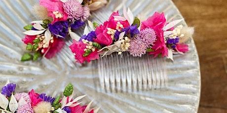 Atelier peigne, bracelet et boutonnière de fleurs séchées billets