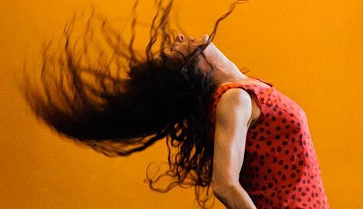 Imagen de TODO LO BUENO OCURRE EN SILENCIO–Provisional Danza/Teatros del Canal–DANZA