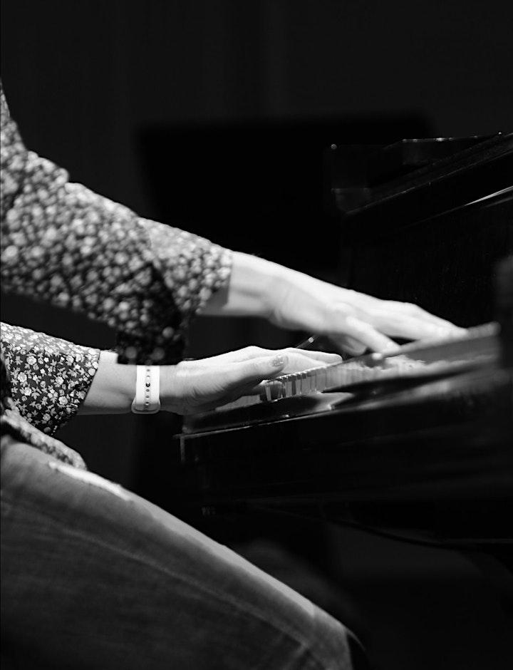 Billion streaming pianist Helen Jane Long live in Fredericksburg image