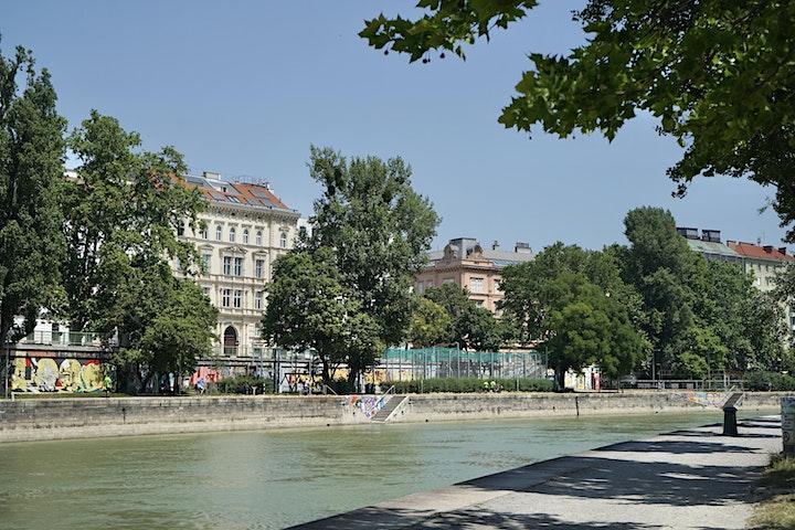"""""""HUNDERTWASSER BEWEGT"""" - Vom KUNST HAUS WIEN den Donaukanal entlang (15:00): Bild"""