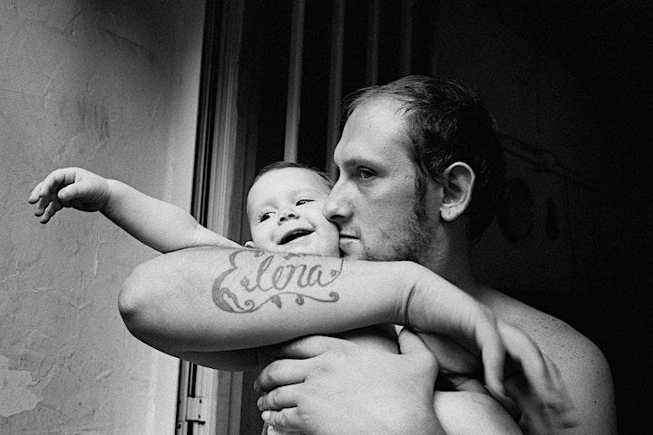 Immagine Inaugurazione mostra 'Abitare lo stigma' di Maciej Pisuk e Ciro Battiloro