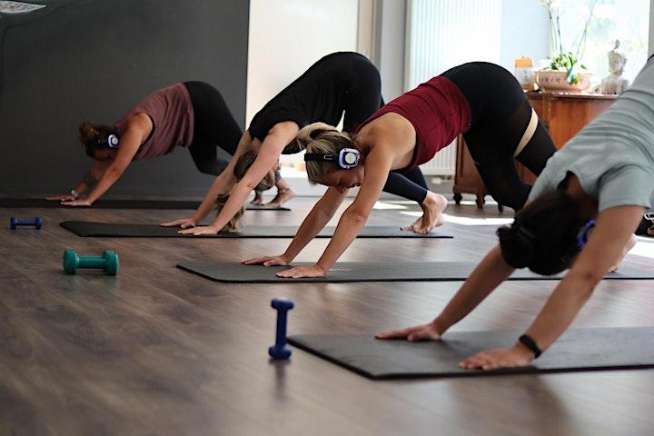 Silent Yoga: Bild