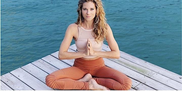 Vinyasa Flow Yoga im TANZRAUM - mit Julia Diane Fegert-Dujo: Bild