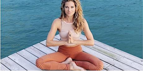 Deep & Slow Yoga im TANZRAUM - mit Julia Diane Fegert-Dujo Tickets