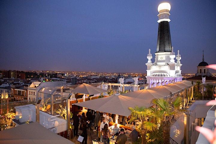 Imagen de Rooftop Bar Crawl Madrid Experience