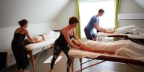 Massagecursus: Basis 1 Ontspannende oliemassage rugzijde. 29 - 31/10/'212 tickets