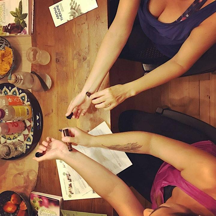 Image pour Atelier yoga et découverte des huiles essentielles (MONTPELLIER)