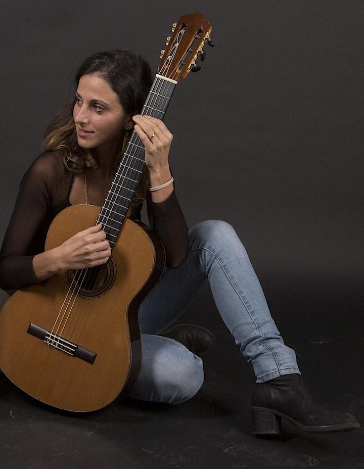 Immagine Profumo di Spagna: una voce e una chitarra