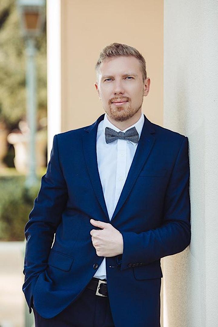 Anton Smirnov, piano image