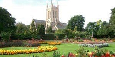 BURY ST EDMUNDS – Abbey Gardens Walk and Chat