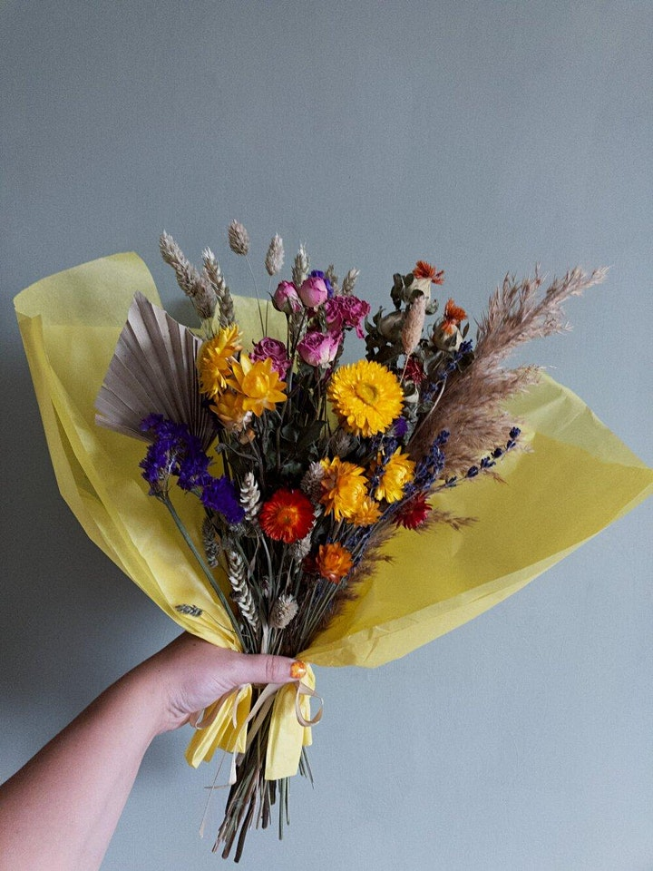 Seasonal Dried Floral Arrangement Workshop image