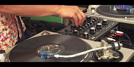 Rooftop DJ Party! Déja Vu tickets