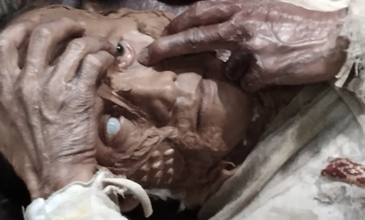 Makeup Film Specialist in Silicon Prosthetic & SFX (Beginner Class) image