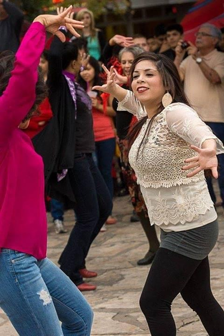 Take SEVILLANAS class and join the FLASH MOB International Day of Flamenco image