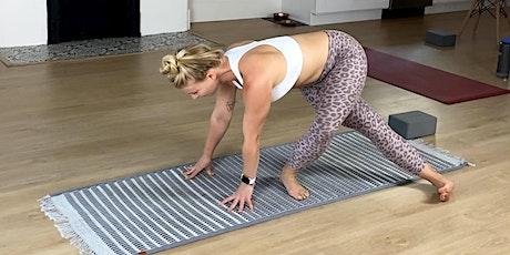 Online Vinyasa Yoga w/ Sara! biglietti