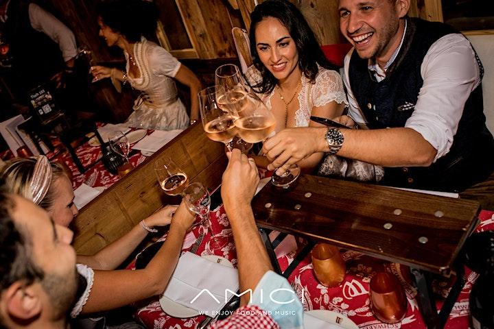 6er-Tisch in der kleinen SchwabenWelt im Amici: Bild