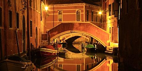 Halloween Tour: visita guidata notturna tra misteri e intrighi a Venezia tickets