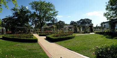 Old Parliament House Gardens: Free Guided Walking Tour