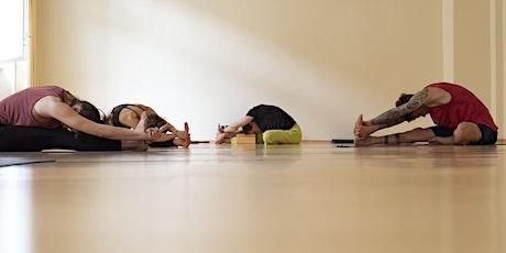 Yoga-Workshop mit Kundalini Yoga und Yoga Nidra auf Spendenbasis Tickets
