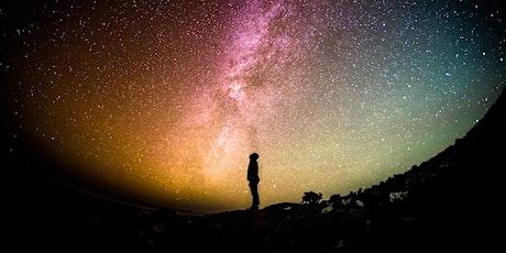 Amore, ricchezza e benessere: Previsioni astrologiche 2022 biglietti