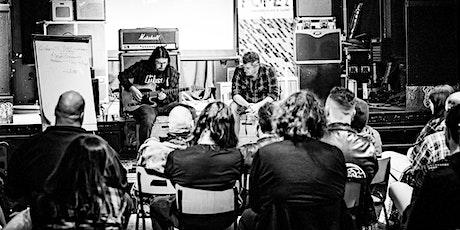 GearJunks - 'Ik ben niet gek ik ben gewoon anders' pedalen tickets