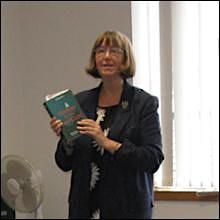 Author & Writing Coach, Ellie Stevenson logo