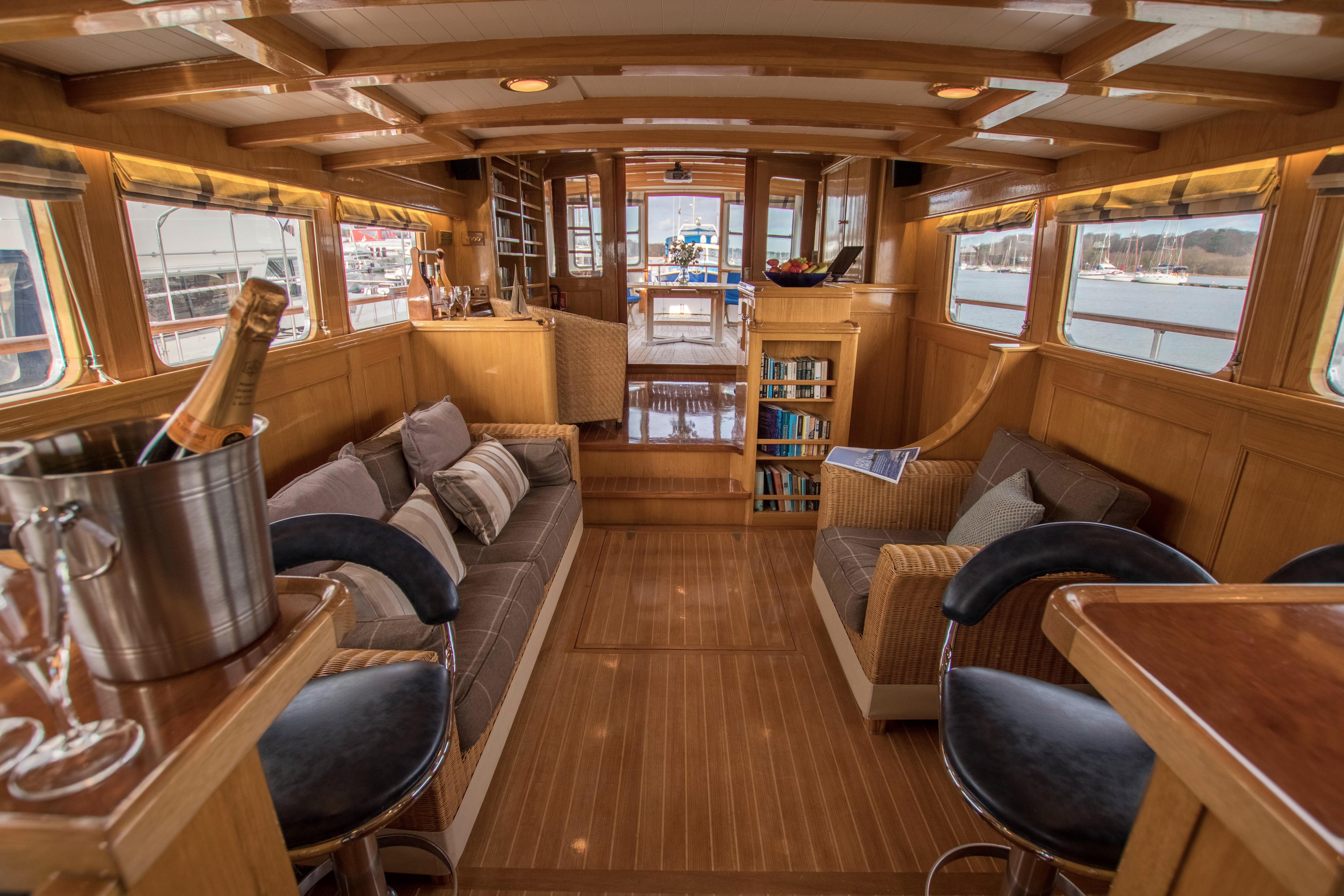 Wine Tasting & Sunset Sail aboard Seafin - DI