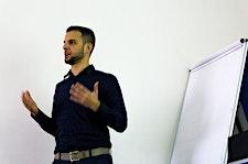 Giovanni Pinna con EcommerceAgency.it logo