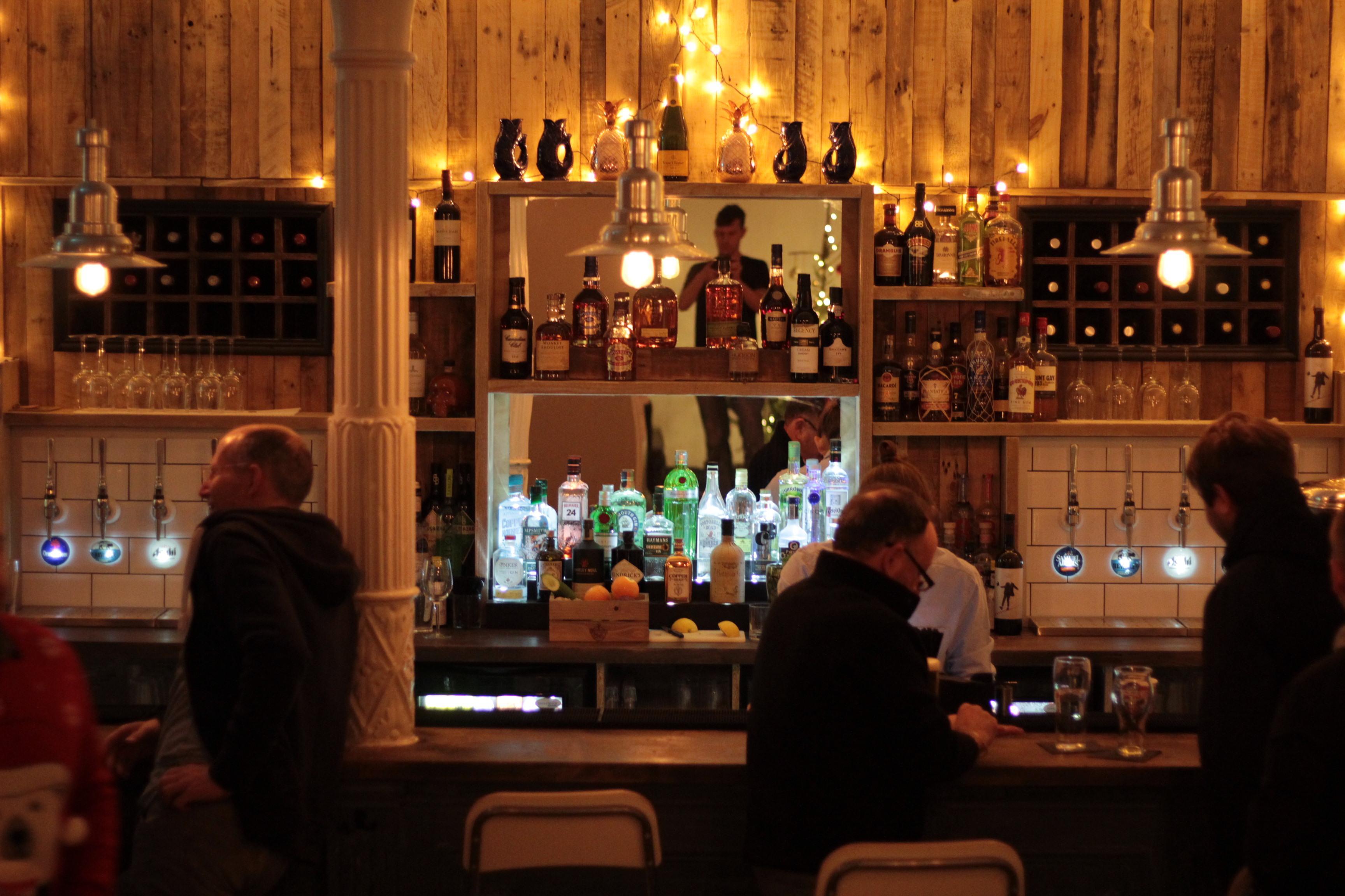 Box44 - Members bar