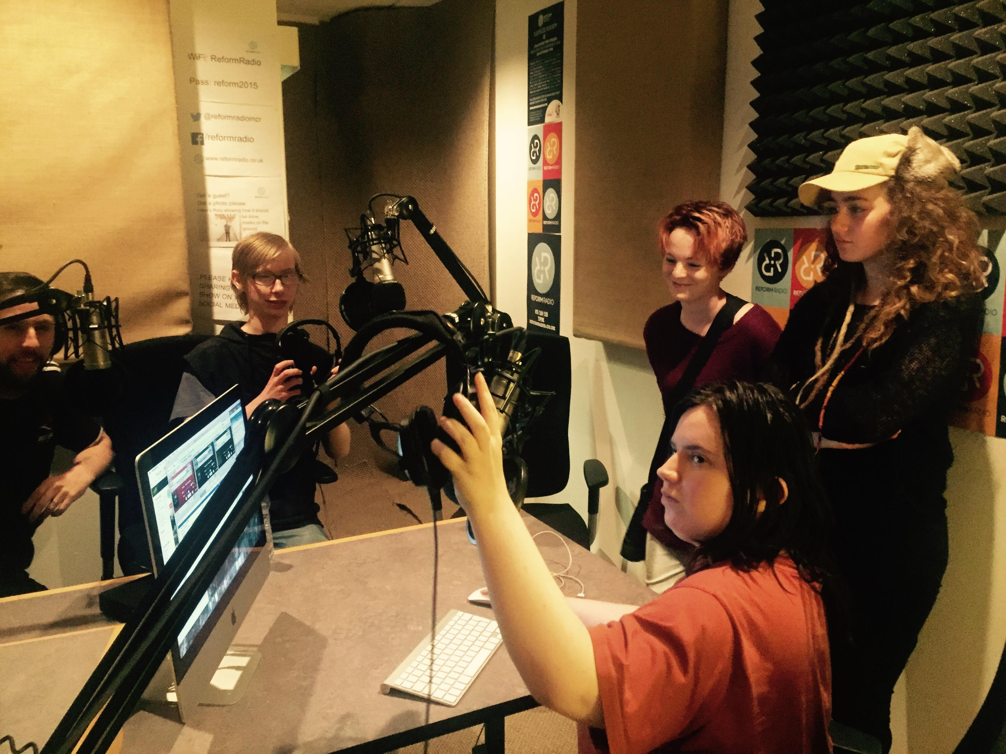EMPLOYABILITY TRAINING FOR COMMUNITY RADIO TR