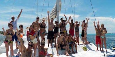 Premium Isla Mujerers Catamaran Tour (All-inclusive)