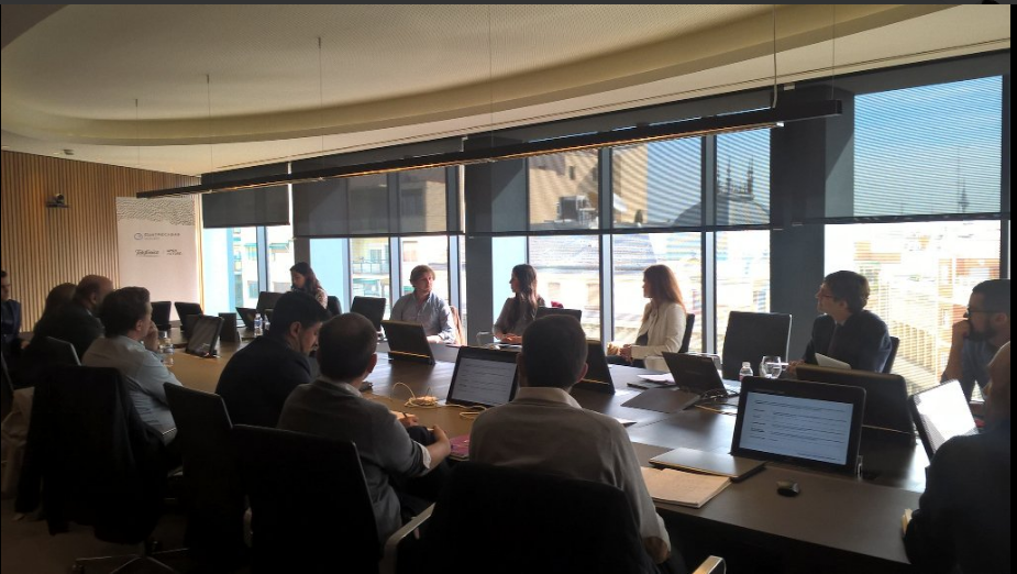 ¿Acelerar o no acelerar?: mesa redonda con emprendedores