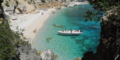 Home holiday + Escursion in the Gulf of Orosei without driver - Cala Gonone Sardinia