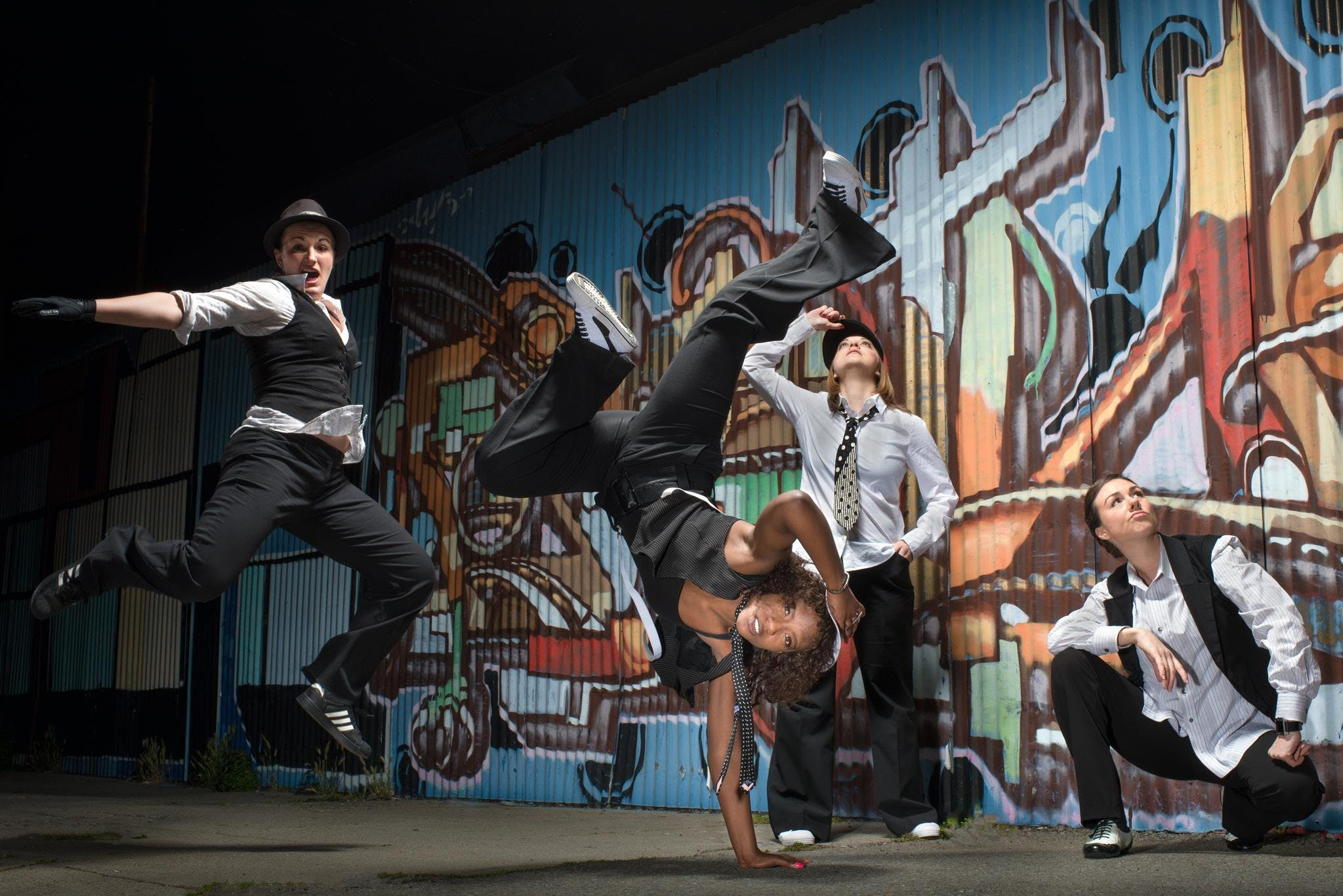 Dance 411: Adult & Youth Hip Hop 13 & Up (Int)