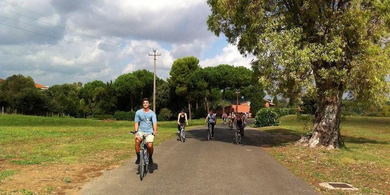La Valle della Caffarella e la Via Appia Antica - Visita guidata in Bici