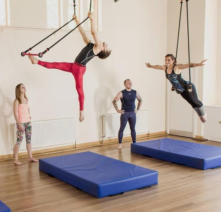 Static Trapeze with The Indytute @Battersea
