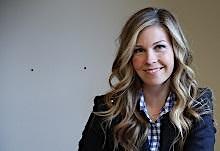 Lauren Moffatt, HR Expert + Executive Career Coach logo