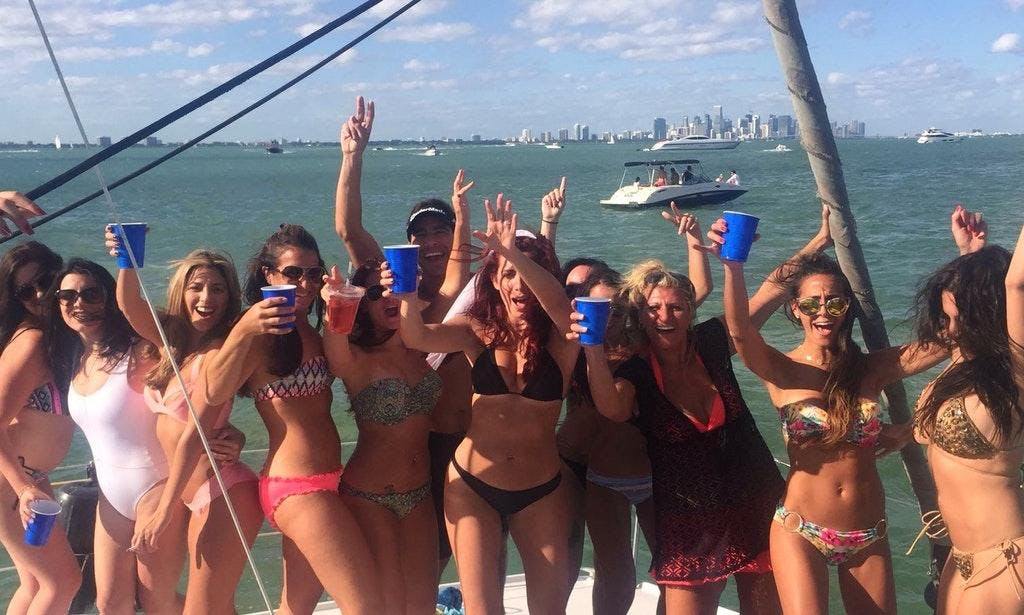 Bachelorette Boat Party Drinks Included