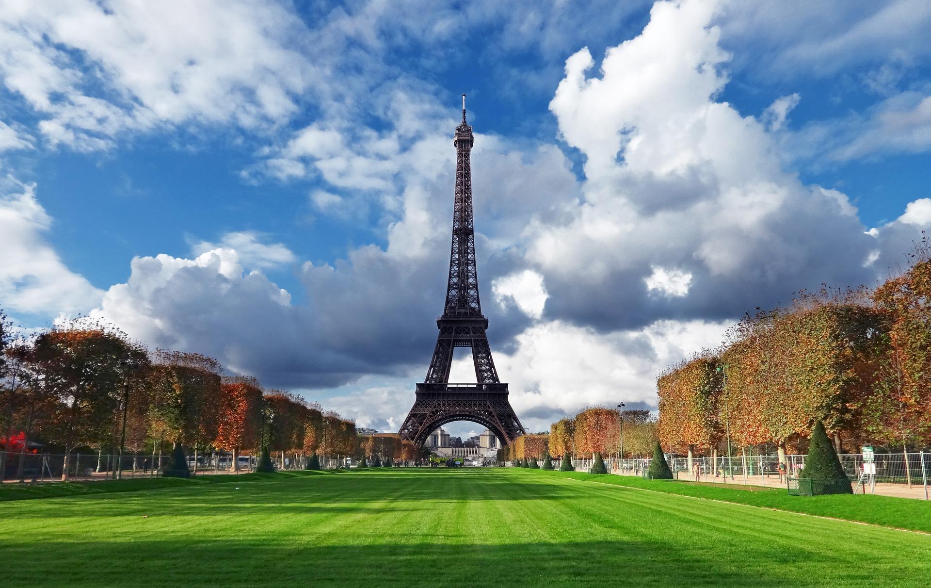 Osaka Singles! Let's Meet in Paris- Fall Edit