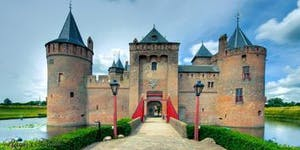 Macbeth - Castle Tour 2018 - Courtyard of Muiderslot
