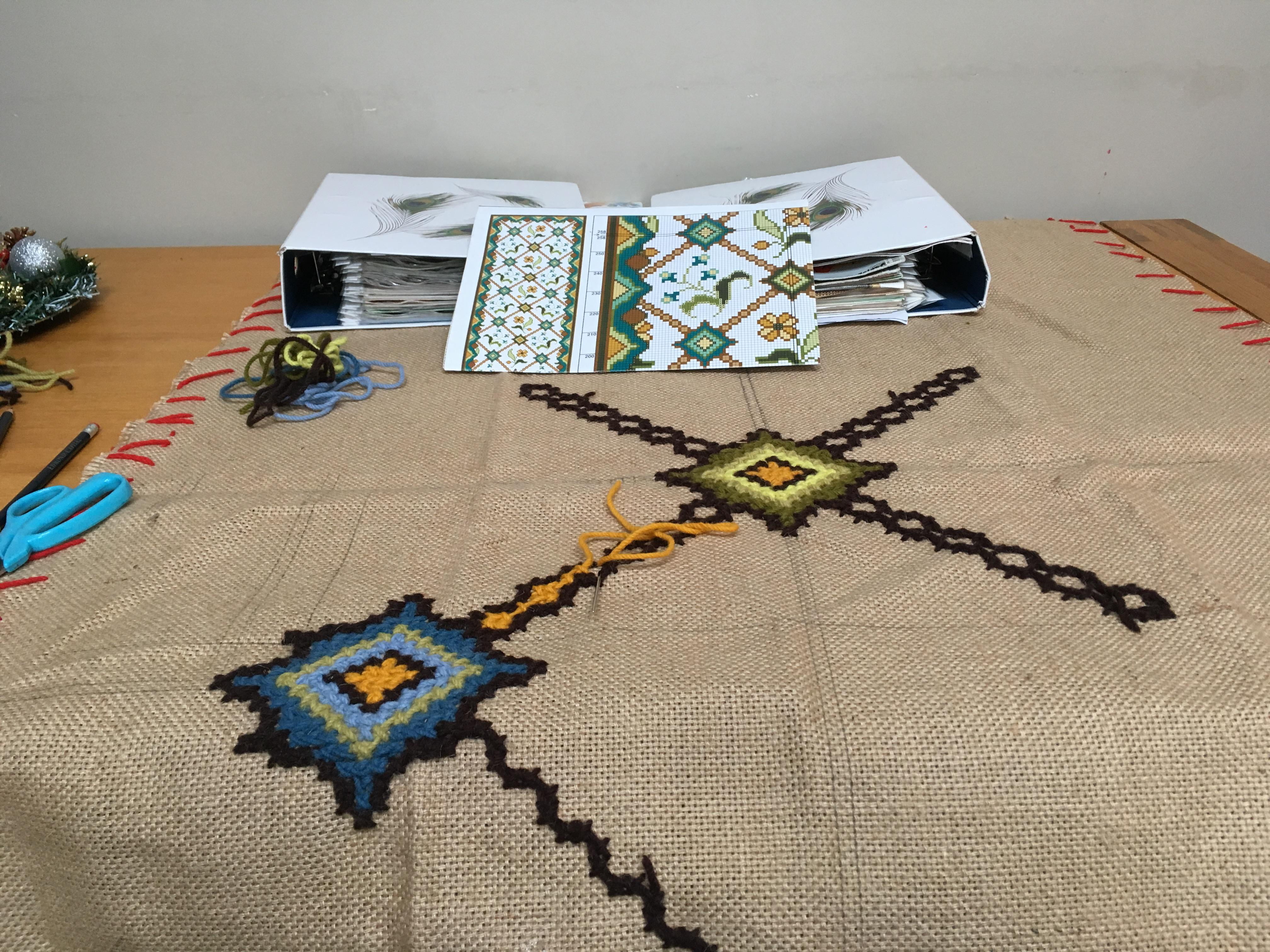 Wool tapestry rug making course