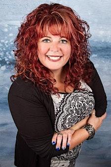 Renee Rebelo - Savvy Livin for Women Founder logo