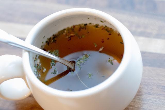 Bone Broth & Seasonal Soups with Tressa Yellig