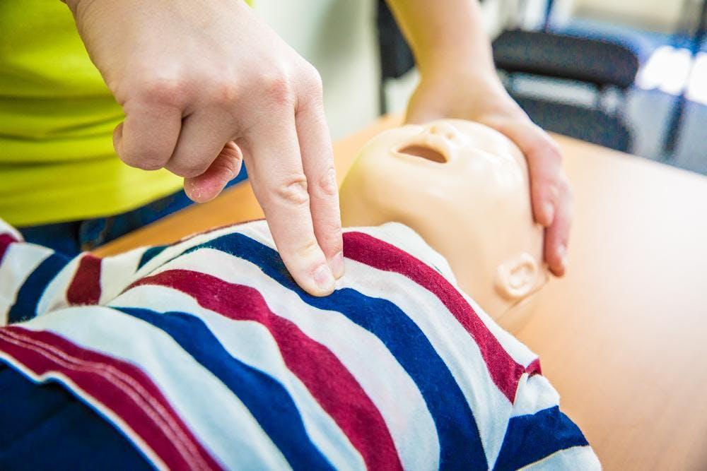 Levensreddend handelen bij baby's en kinderen