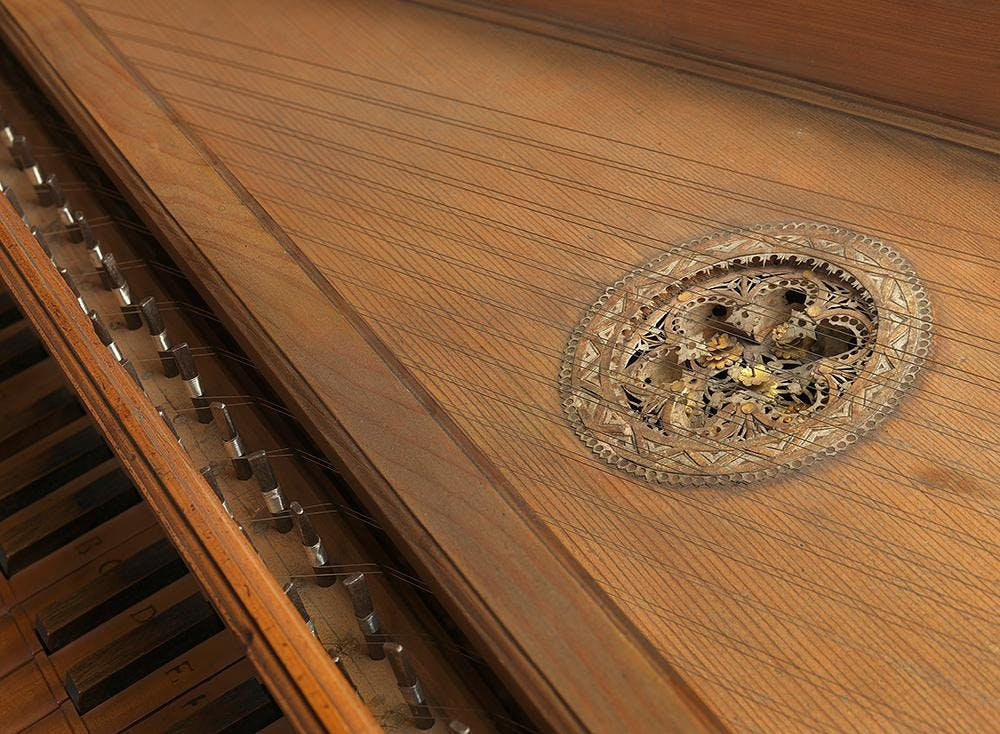 Drawing class: The harpsichord and the spinet