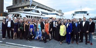 Galaabend auf der privat gecharterten Yacht
