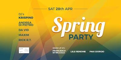 Sabato 28 Aprile: Spring Party at Loft54 c/o Lampara (Trani)