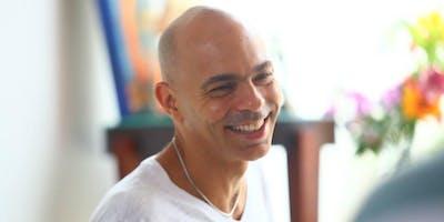 Certificação em Yogaterapia com Vitor Caruso